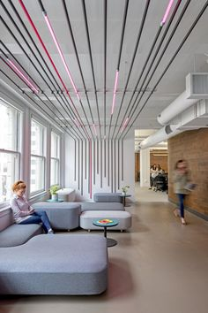 Office Tour: Fetch Offices – San Francisco - All For Decoration Open Office Design, Workplace Design, Office Interior Design, Design Offices, Office Ceiling Design, Tiny Office, Office Fun, Front Office, Office Designs