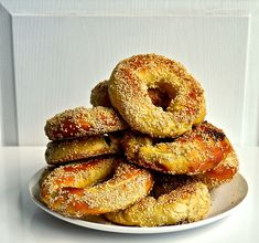 Montreal Bagels = The Best Pie Recipes, Mexican Food Recipes, Vietnamese Recipes, Chicken Recipes, Vegan Recipes, Montreal Bagels Recipe, Canadian Food, Canadian Recipes, Canadian Cuisine