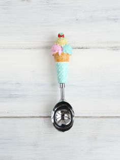 ice cream scoop (except I can't eat ice cream so you must eat all of it)