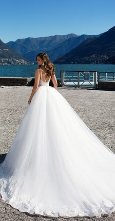 Milla Nova Bridal 2017 Wedding Dresses karolina3 / http://www.deerpearlflowers.com/milla-nova-2017-wedding-dresses/15/