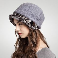 Womens splice bucket hat for winter wool newsboys cap with hairball