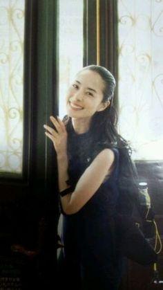 深津絵里 Japanese Icon, Japanese Beauty, Japanese Girl, Asian Beauty, Beautiful Images, Beautiful Women, Cute Woman, Beautiful Actresses, Poses