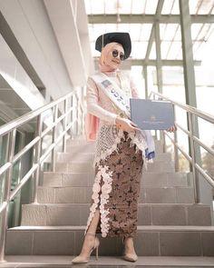 Kebaya Muslim, Kebaya Hijab, Batik Kebaya, Model Dress Kebaya, Model Kebaya Brokat Modern, Kebaya Modern Hijab, Batik Fashion, Mode Hijab, Models
