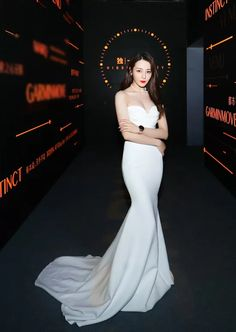 Female Actresses, Chinese Actress, Red Carpet Dresses, Chinese Style, Asian Girl, Beautiful Dresses, Ball Gowns, Beautiful People, Alex Perry