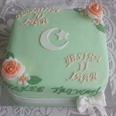 Muslim moon and star birthday cake