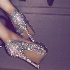 Sparkly heels - Source by - Badass Aesthetic, Boujee Aesthetic, Bad Girl Aesthetic, Aesthetic Images, Aesthetic Collage, Purple Aesthetic, Aesthetic Vintage, Aesthetic Grunge, Mode Poster