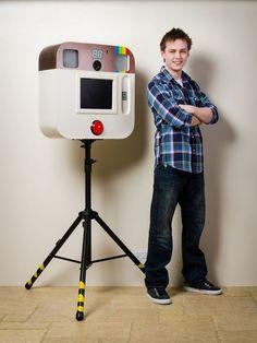 Amazing instagram-inspired DIY photo booth