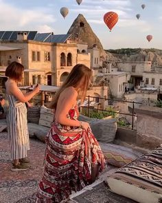 Morgenansichten in Cappadocia, die Türkei? Travel Photography Tumblr, Photography Beach, Couple Travel, Perfect Road Trip, Istanbul Travel, Cappadocia Turkey, Destination Voyage, Turkey Travel, Beautiful Places To Travel