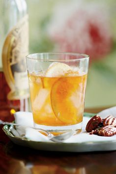 Toast to the Derby: What a Kentucky Bourbon Aficionado Drinks on Race Day