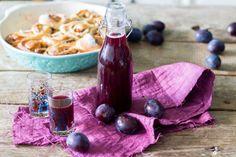 Pflaumenlikör-selbermachen-mit-weihnachtlichen-Gewürzen---Likörrezepte-Geschenke-aus-der-Küche