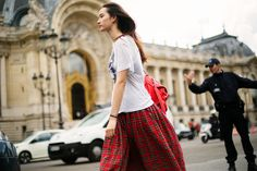 Hymne A L'amour The streets of Paris again dressing tartan to combine with t-shirts #fashiontshirts