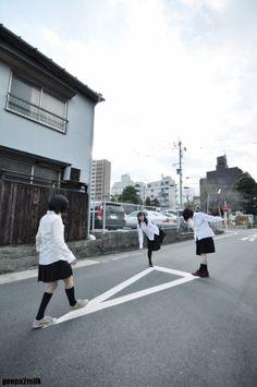 """nekozemaguro:   2012.12.25 @名駅裏 model:かに、ぐれ、ぶんちん(孤独部)   """