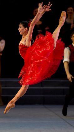 Natalia Osipova in Don Quixote at the Mikhailovsky Theatre. Photo by Stas Levshin