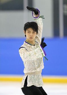 Loving his new Seimei program this season. In a way it almost makes me think back to his R&J program years back. :)