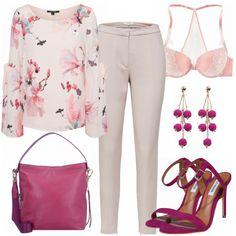 Schicker Look aus puderfarbener Bluse mit Blumenprint, beige Hose und fuchsia High Heels... #fashion #fashionista #inspiration #mode #kleidung #bekleidung #damen #frauen #damenkleidung #frühling #frühjahr #frauenoutfits #damenoutfits #outfit