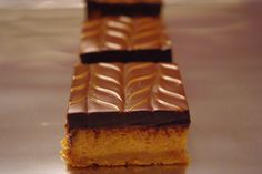Dulce de Leche Cheesecake Bars!