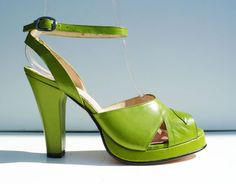 VERONICA – The epitome of 1940's sexy sophistication…. A high heel platform with ankle strap.