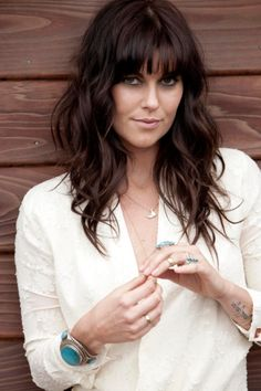 "Tristan Prettyman on Her New Album, Cedar & Gold, and Her Breakup with Jason Mraz: ""It Was Torture"" - New Make Up İdeas 2015 Hairstyles, Hairstyles With Bangs, Pretty Hairstyles, Woman Hairstyles, Jason Mraz, Tristan Prettyman, Honey Brown Hair, Natural Hair Styles, Short Hair Styles"