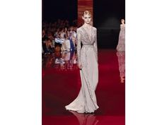 #ParisHauteCouture, collezione #fallwinter 2013/14 di #AltaModa di #ElieSaab... la quintessenza dell'eleganza! http://www.veraclasse.it/articoli/sfilate/donna/elie-saab-haute-couture-autunno-inverno-2013-2014/10637/