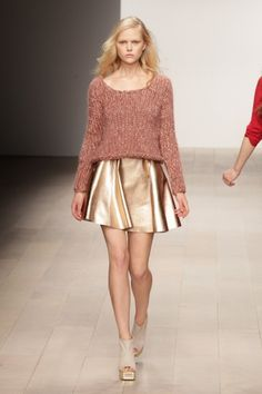 A tip on how to dress down a golden skirt...top it with a chunky sweater!  -- FELDER FELDER #Fall2012