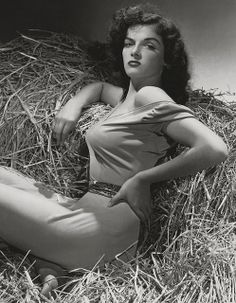 Jane Russell ★ Gallery of Vintage Movie Star P!nups: Yank Magazine pin-up girl Jane Russell; Copyright free pubic domain photographs, vintage pictures of this beautiful famous celebrity as well a short Jane Russell biography, informati Hollywood Icons, Old Hollywood Glamour, Golden Age Of Hollywood, Vintage Hollywood, Old Hollywood Stars, Hollywood Glamour Photography, Hollywood Divas, George Hurrell, Howard Hughes