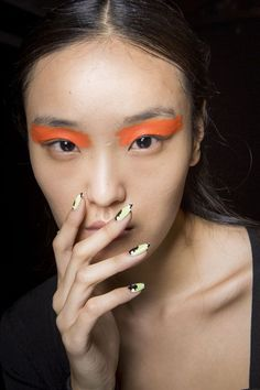 Shop all the best makeup looks from the spring 2018 runways.