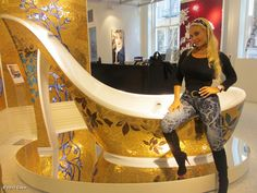 Coco - I have to show this to the ladies.LOOK,its a high heel shaped bath tub!Doing a LiL interior shopping 4 new house