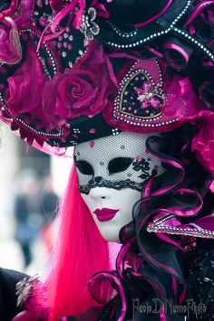 pink and black venice mask