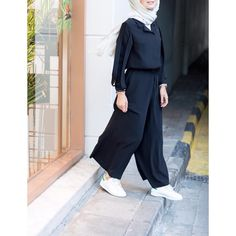 Stylish Hijab, Casual Hijab Outfit, Hijab Chic, Stylish Outfits, Muslim Fashion, Modest Fashion, Girl Fashion, Fashion Dresses, Jumpsuit Hijab