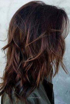 A medium length layered hair style is a great choice as it is flattering for any… A medium length layered hair style is a great choice as it is flattering for any woman. See our collection of stylish hairstyles to pick the best .. http://www.tophaircuts.us/2017/05/04/a-medium-length-layered-hair-style-is-a-great-choice-as-it-is-flattering-for-any/