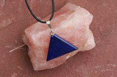Lapis Lazuli Driehoek Ketting Aan Waxen Koord door EASTERNSOULS