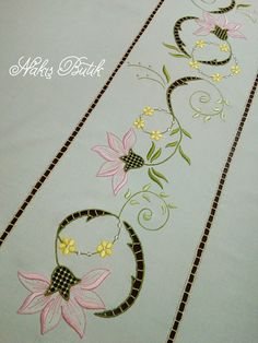 Embroidery Suits, Rose Embroidery, Hand Embroidery Designs, Embroidery Patterns, Machine Embroidery, Cutwork Saree, Brazilian Embroidery, Border Design, Sketch Design