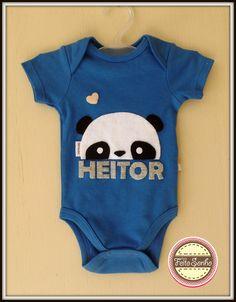 Body personalizado panda, com aplicação em feltro, feito à mão. #bodypersonalizado #bodypanda #bodybebe #chadebebe #chadefralda #maternidade