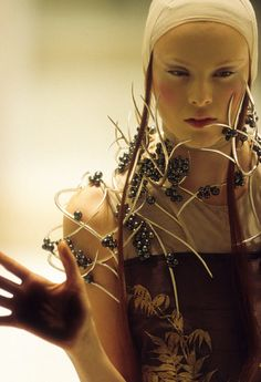 Tahitian pearl neckpiece by Shaun Leane for Alexander McQueen, Spring/Summer 2001 by Anthea Sims.