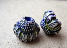 saraccino: All the flowers! - new beads