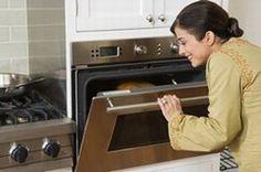 Schluss mit harten oder trockenen Gratins - Kartoffelgratin & Co. - Das Geheimnis des Erfolgs liegt in der aufmerksamen Überwachung der Backzeit: Beginnen Sie mit schwacher Hitze (Thermostat 4-5 oder 130°C) und erhöhen Sie die Temperatur...