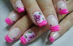 Diseños de uñas con rosas flores, diseño de uñas con rosas pintadas.   #diseñodeuñas #nails #uñasbonitas