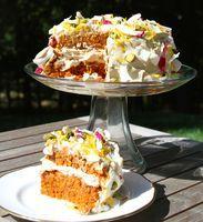 Raw vegan carrot cake with lemony cashew cream-cheese frosting on stylenectar.com