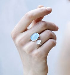 Vi to – ring with chalsedony and moonstone Norwegian jewelrydesign by BAKKA
