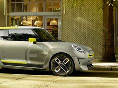 German car-maker BMW has introduced the concept version of the new all electric Mini, just before the 2017 Frankfurt Motor Show. MINI is using the IAA Cars Designer Automobile, Automobile Industry, Mini Cooper S, Electric Car, Electric Motor, Citroen C5, Mini Rolls, New Bmw, Go Kart