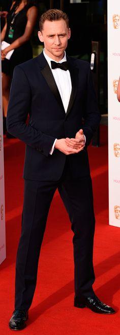 Tom Hiddleston at BAFTA TV Awards 2016. (Source: tomhiddleston.us). Full size image (UHQ): https://i.imgur.com/mRJkyxw.jpg