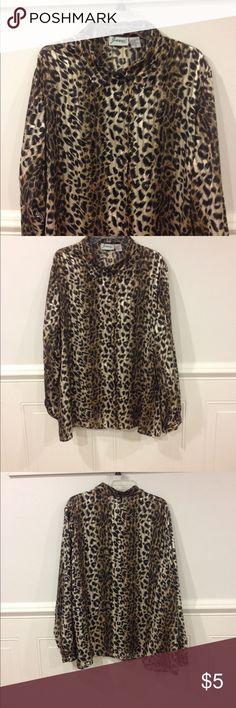3X Joanna blouse good condition Size 3X Joanna blouse good condition Joanna Tops Blouses