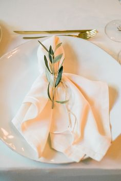Cheap Wedding Napkin.42 Best Wedding Napkin Folds Images In 2018 Wedding Napkin Folding