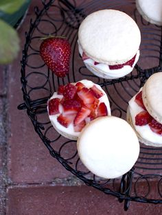 LOVE this. Strawberry Shortcake Macarons.