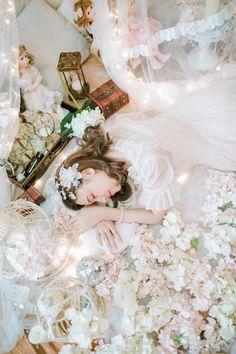 微博 Fantasy Photography, Fashion Photography, Clothing And Textile, Girly, How To Pose, Mori Girl, Poses, Lolita Fashion, Fairytail