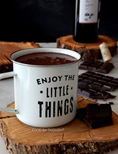 Food for thought: Σοκολάτα Food For Thought, Hot Chocolate, Red Wine, Thoughts, Mugs, Tableware, Recipes, Christmas, Xmas