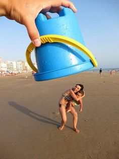 Fun Things to do at the Beach with Family | Create Photo Illusions by DIY Ready at diyready.com/...