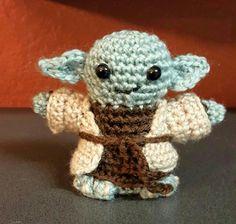 Yoda amigurumi - Star Wars crochet kit