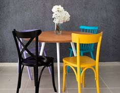 cadeiras diferentes Dining Chairs, Dining Room, Wishbone Chair, Sweet Home, Table, House, Furniture, Home Decor, Organizations