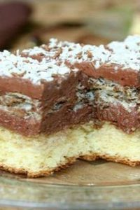 """Ever since I was looking for this recipe, it's just to be saved, Prepare the cake """"Queen . Romanian Desserts, Romanian Food, Sweet Recipes, Cake Recipes, Dessert Recipes, Desserts For A Crowd, Easy Desserts, Focaccia Bread Recipe, Dessert Drinks"""